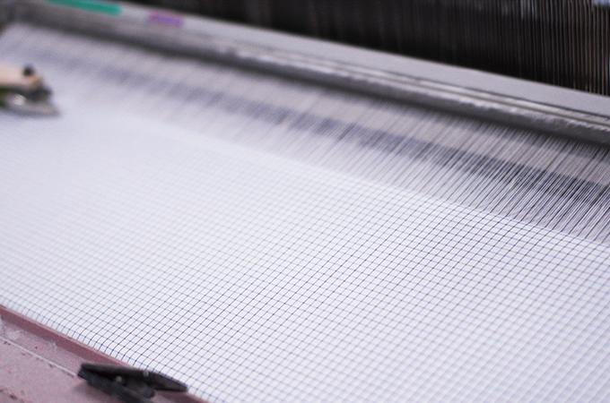 生地を織る織布